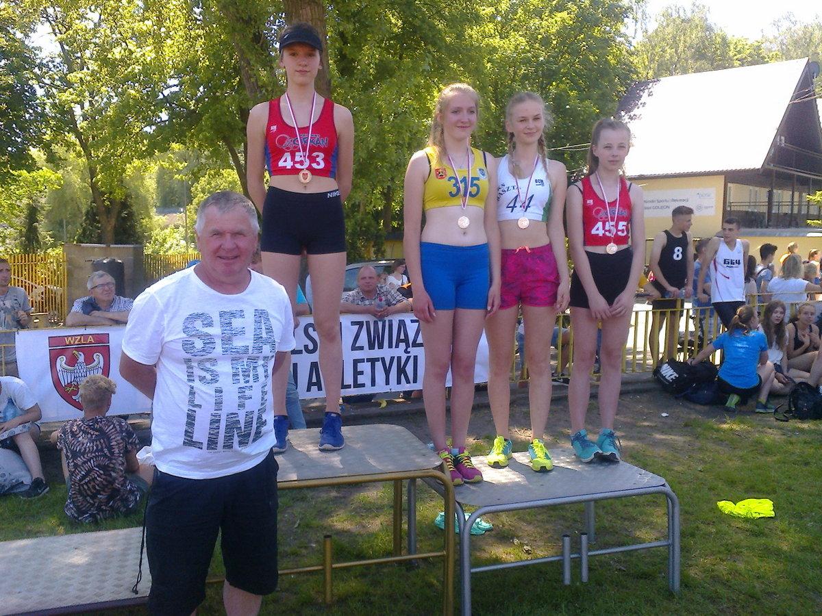 Roksana i Edyta na podium (2)
