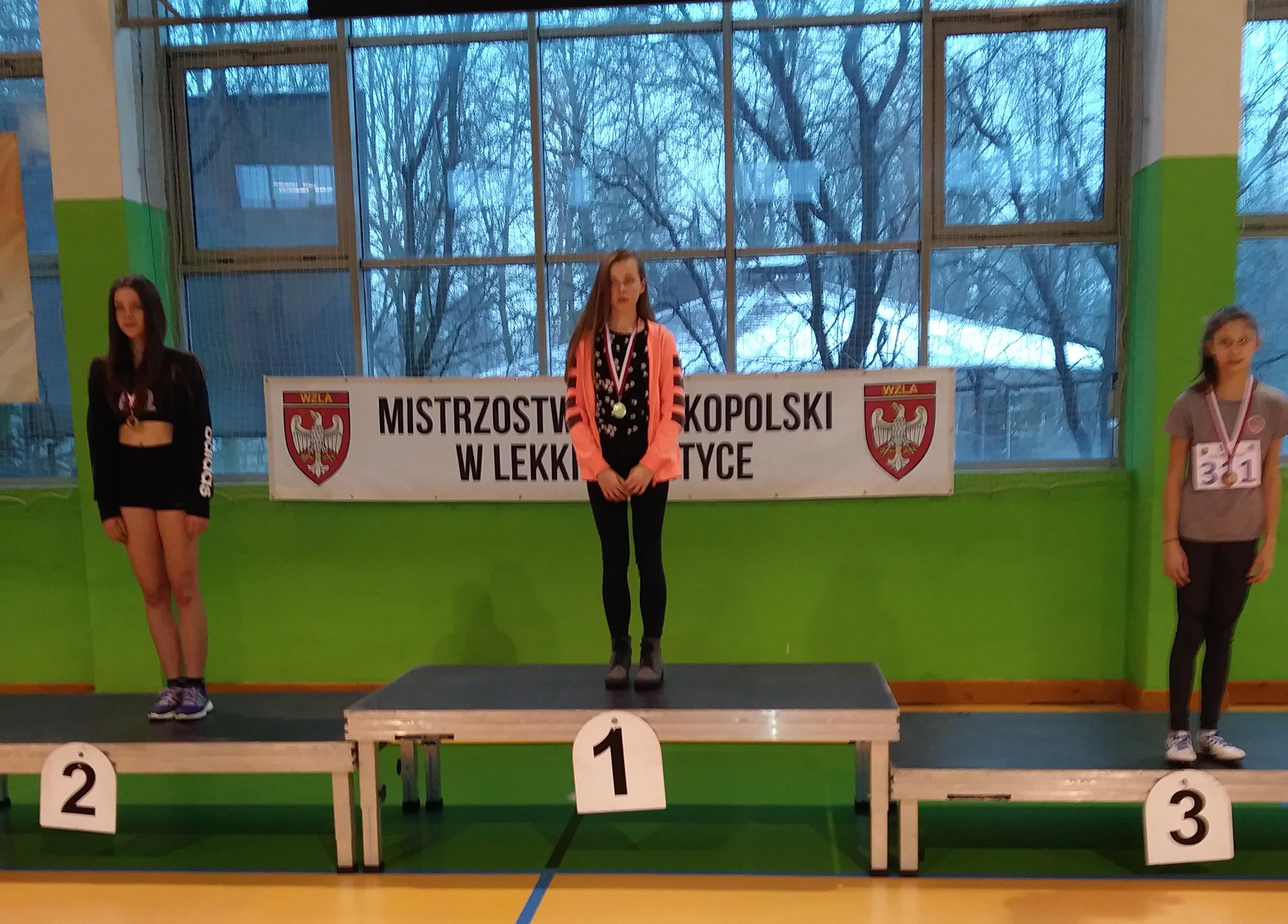 1-Edyda Wojciechowska na podium skoku wzwyż