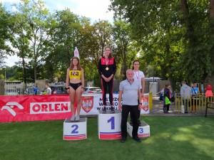 Marta na podium 600m
